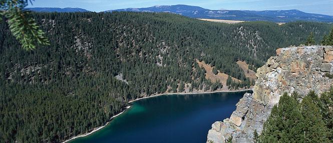 Cliff Lake Montana Cabin & Lodge Rentals